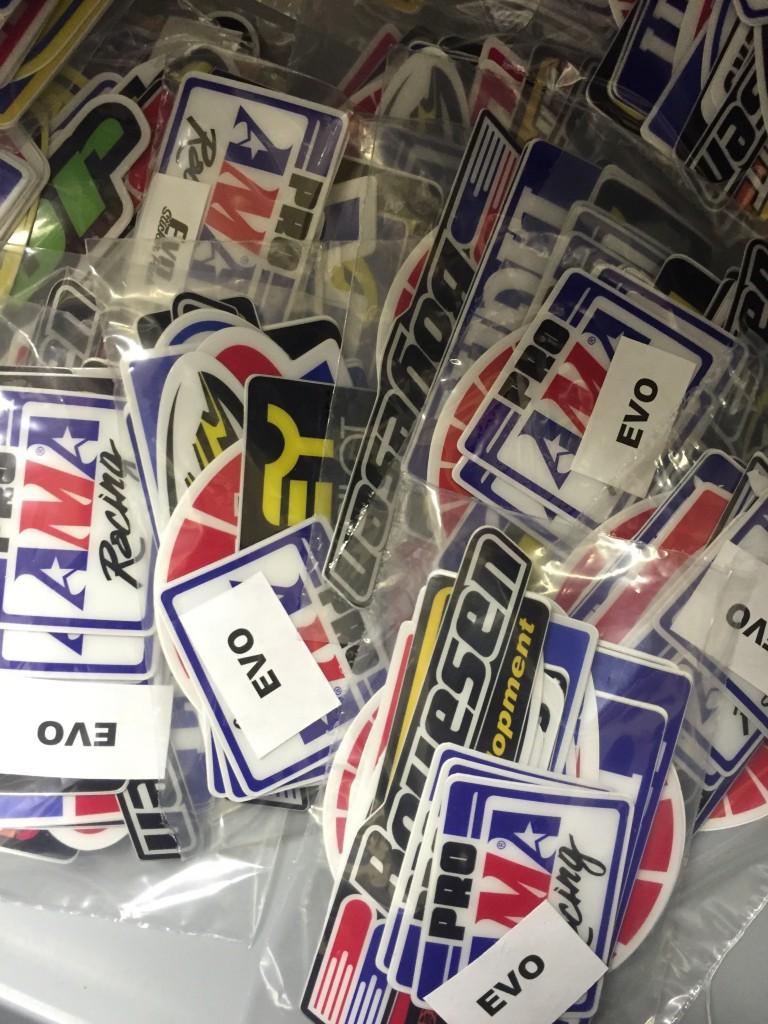 Universal Stickerpacks